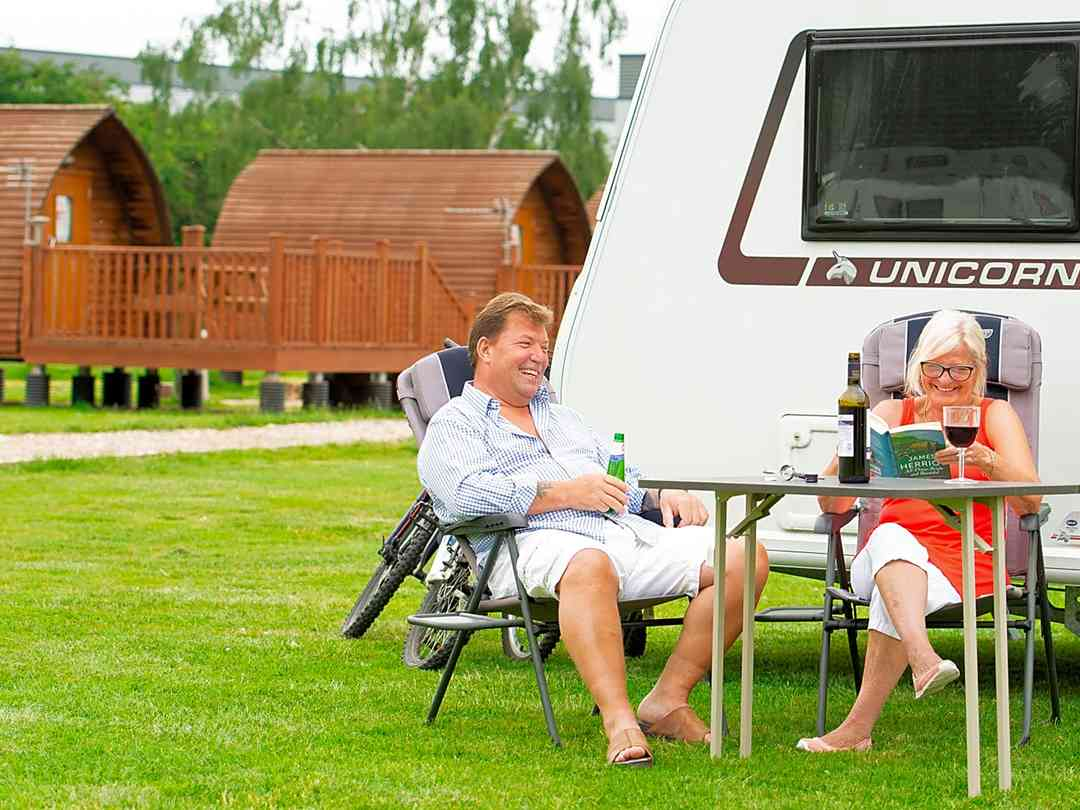 Lee Valley Caravan Park Dobbs Weir: Leisure