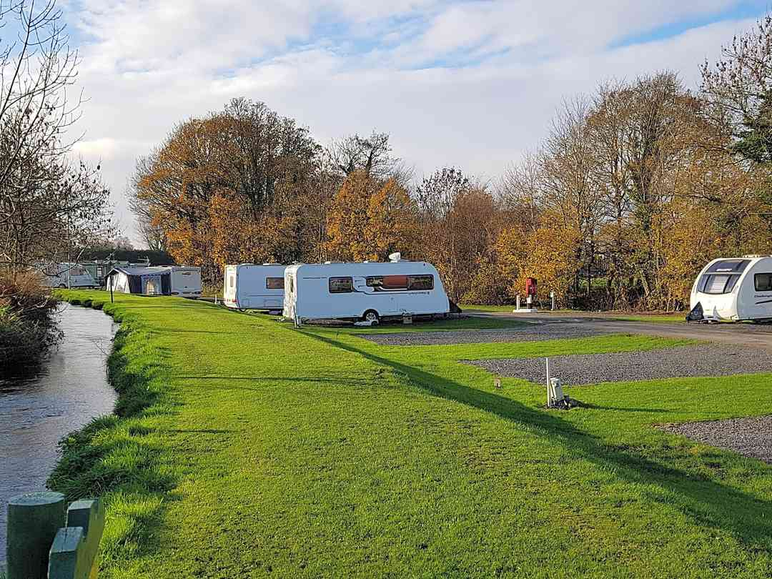 Waters Edge Caravan Park Kendal Updated 2021 Prices Pitchup