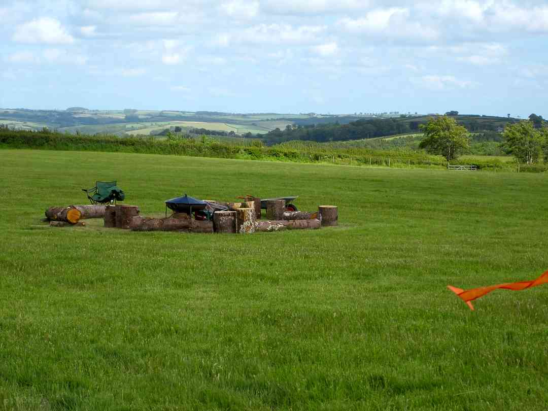 Bales Ash Campsite: The communal campfire, perfect to meet fellow guests