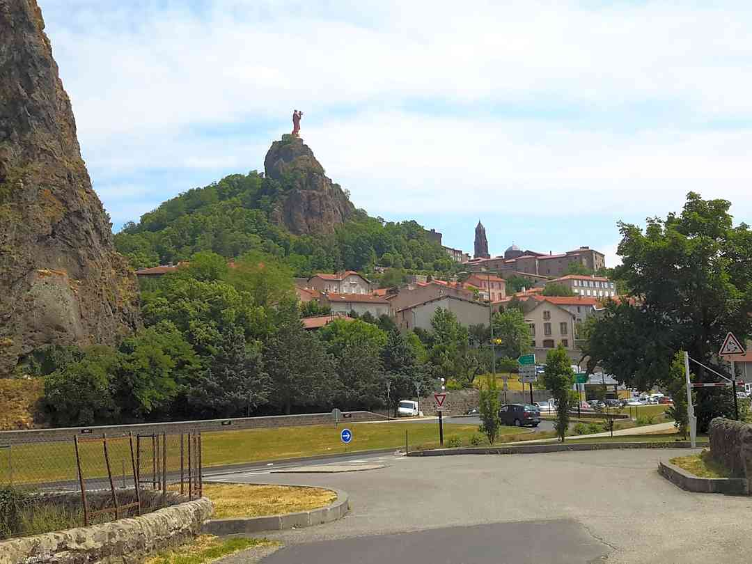 Entering Le Puy-en-Velay