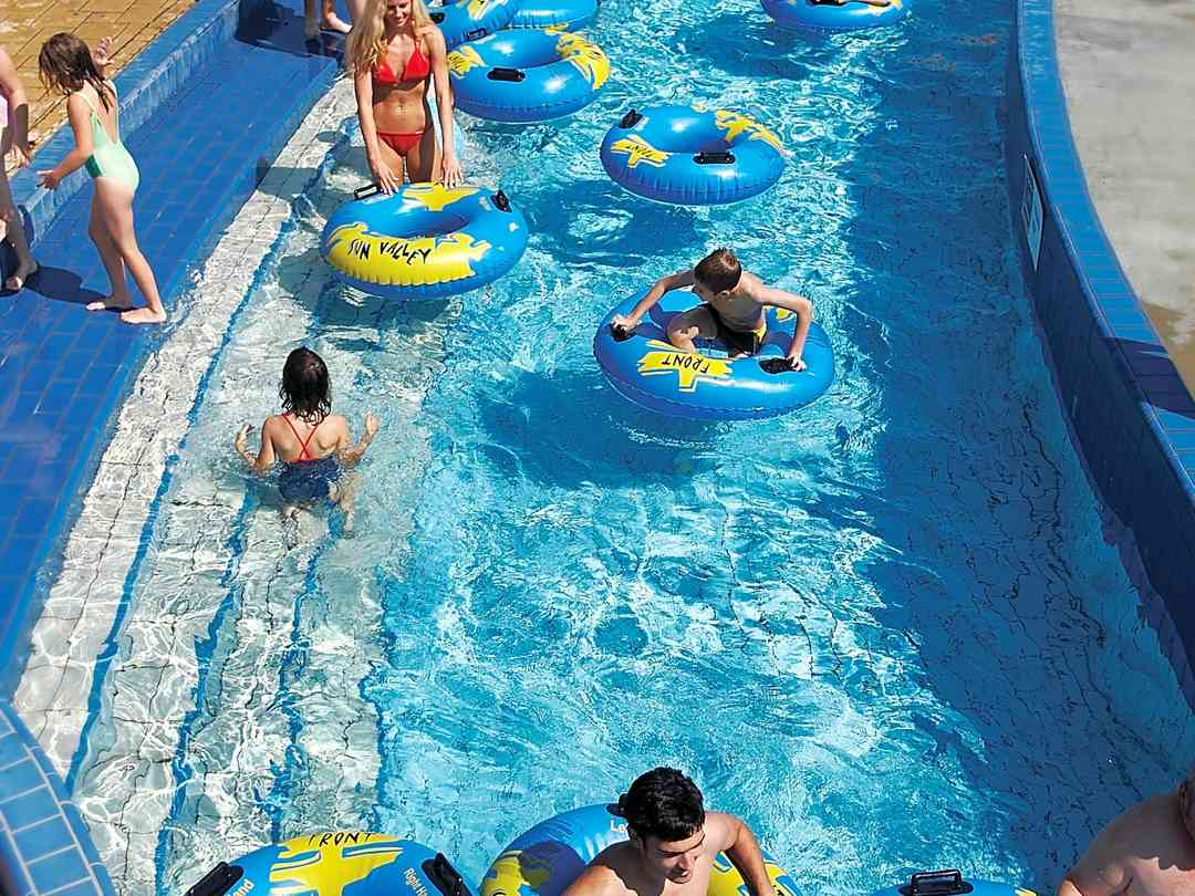 Camping Terme Ptuj: The lazy river at the waterpark