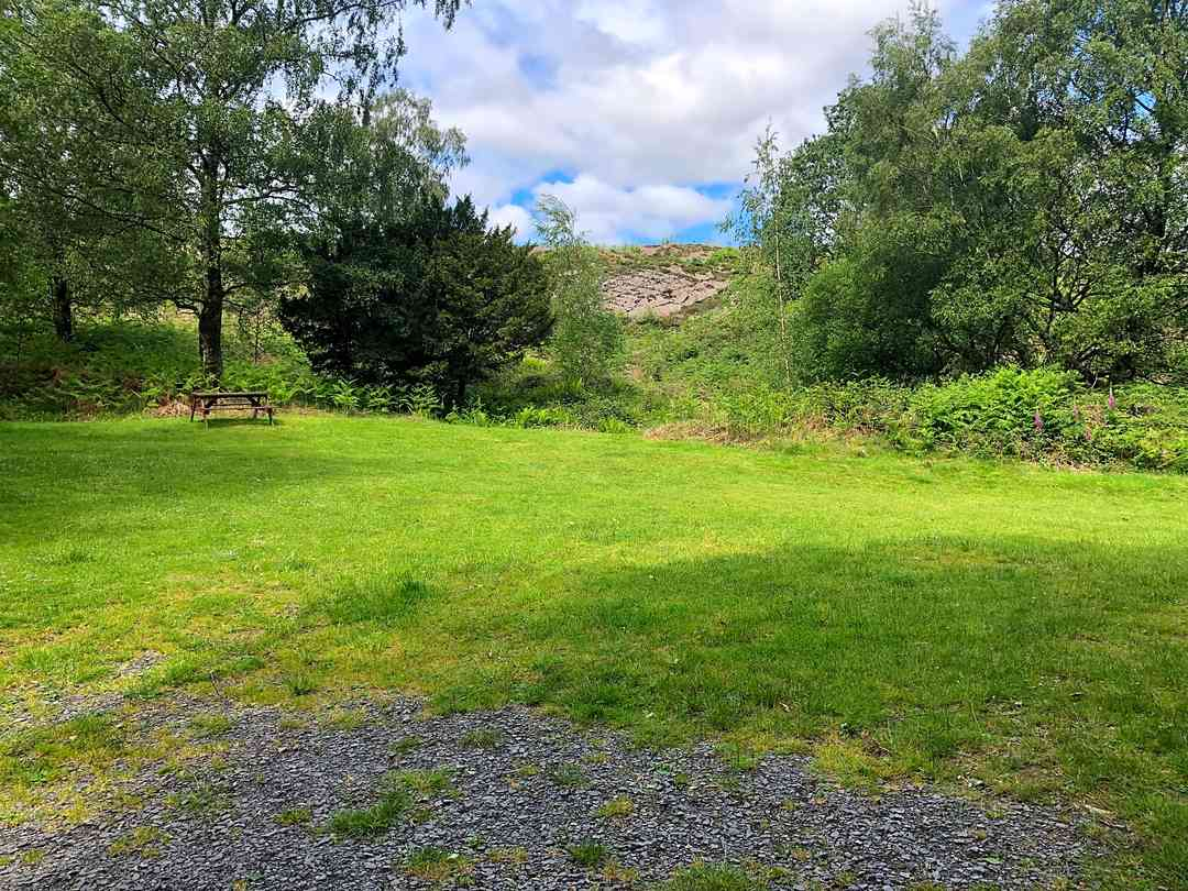 Crake Valley Holiday Park: Grass pitches