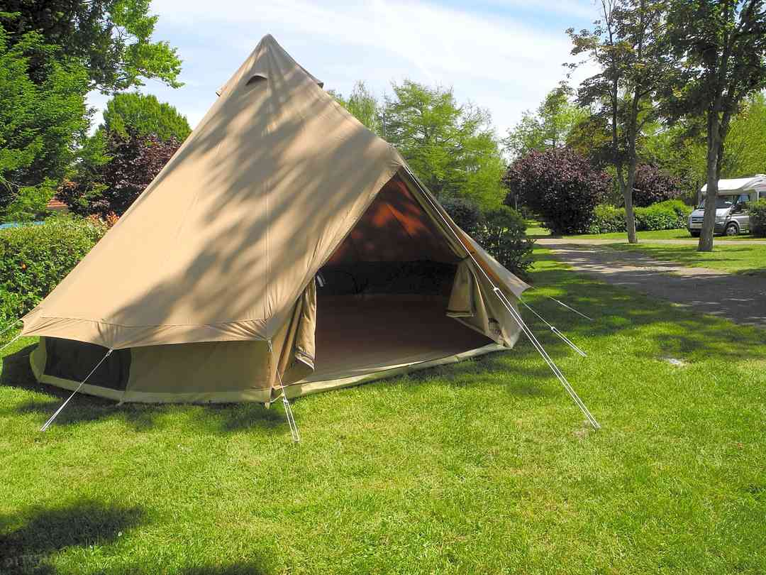 Camping d'Auxerre: Indiana tent