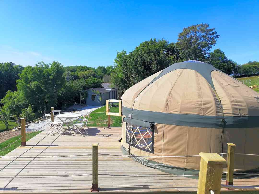 Looe Yurts: The deck and yurt