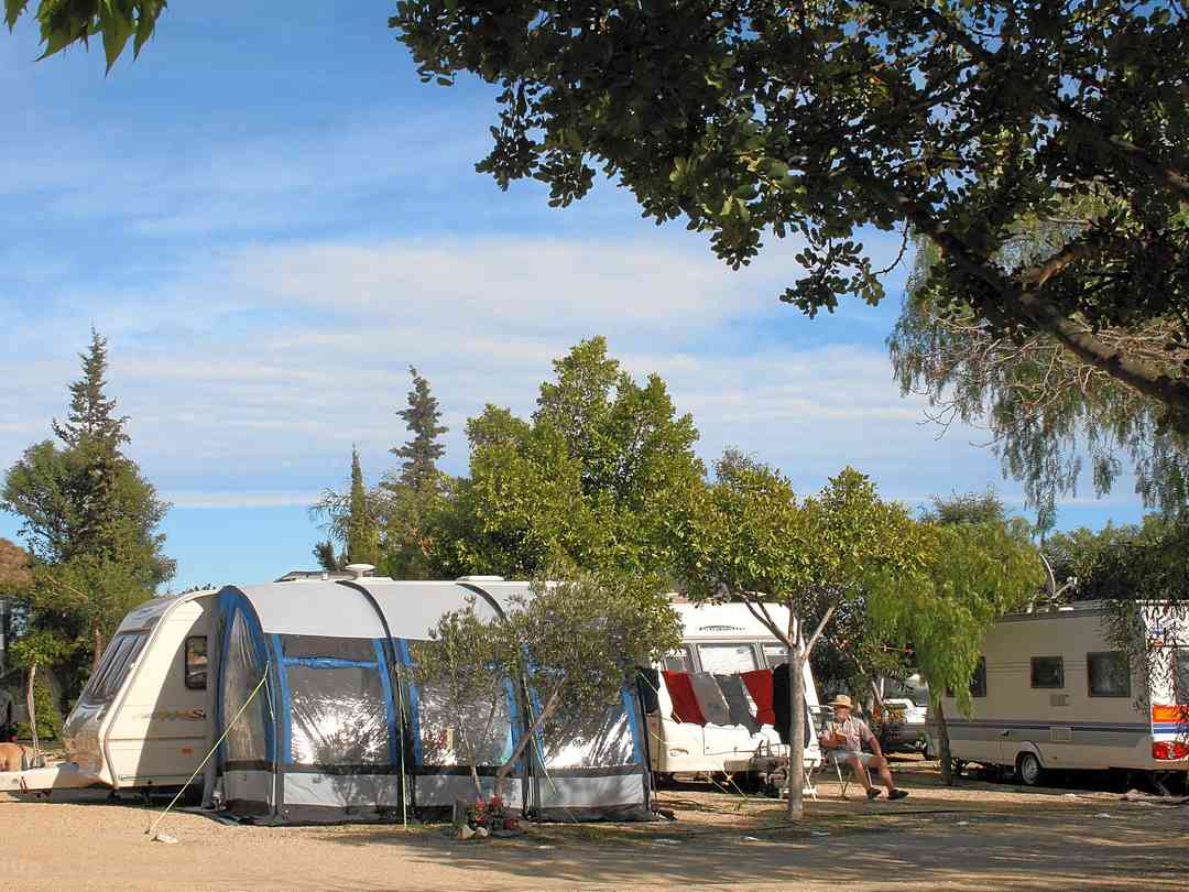 Camping Sopalmo: Pitches supplied with electric