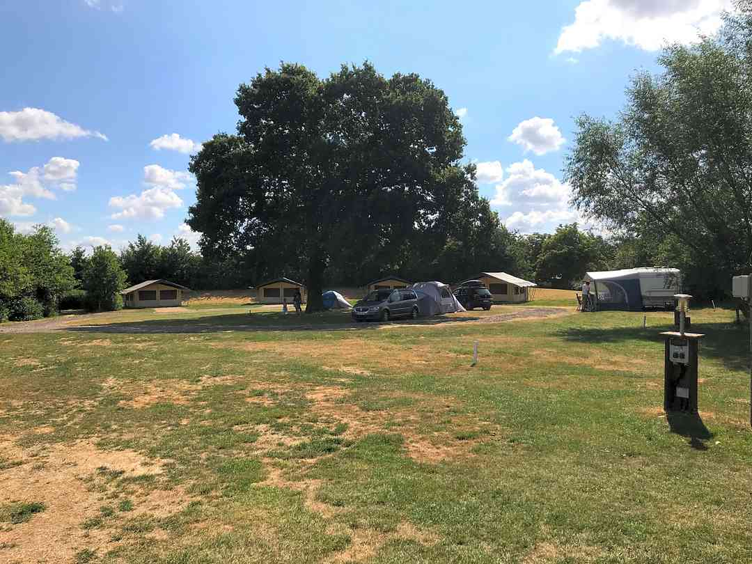 Find Cheap Tent Camping Sites in Milton Keynes