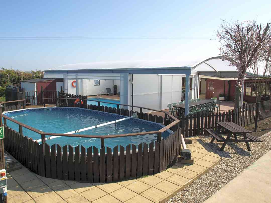 Croft Naturist Country Club: Outdoor swimming pool