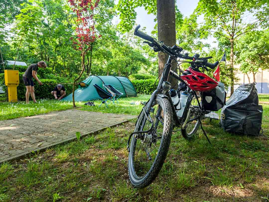 Car-free tent pitches for backpackers and cyclists