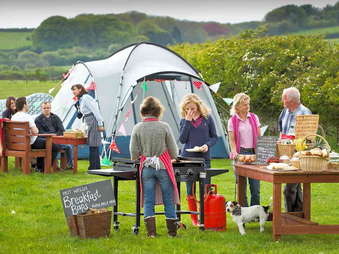 Heritage Coast Campsite: Hot Welsh breakfast baps made freshly to order