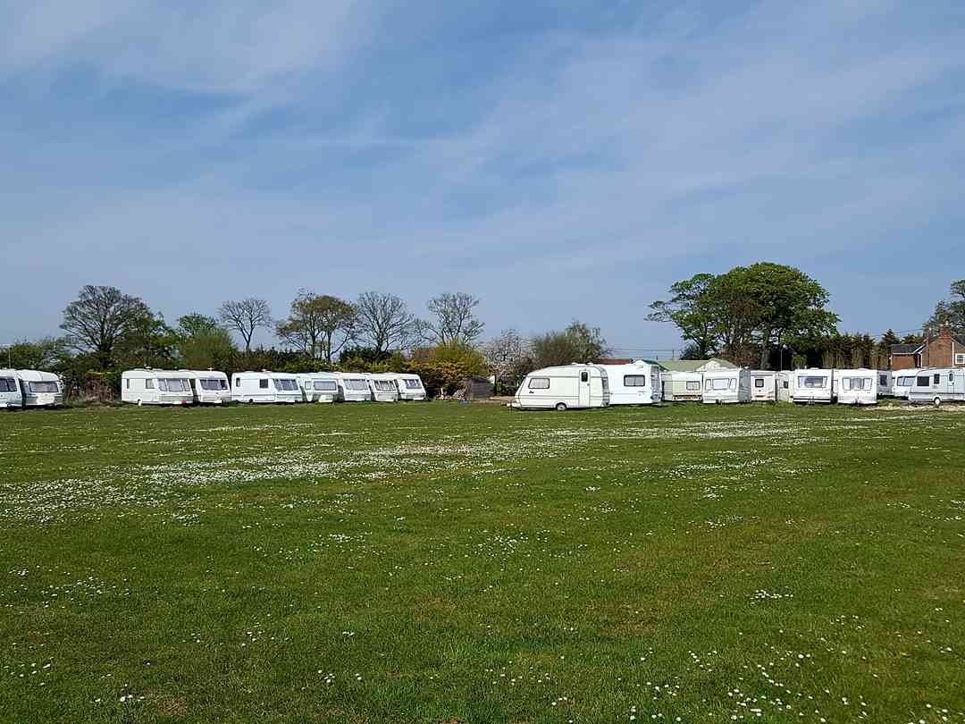 Top Yard Farm Caravan Park: View of the electric field