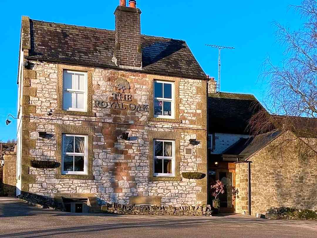 The Royal Oak: The cosy pub, where you can enjoy food and drinks throughout your stay