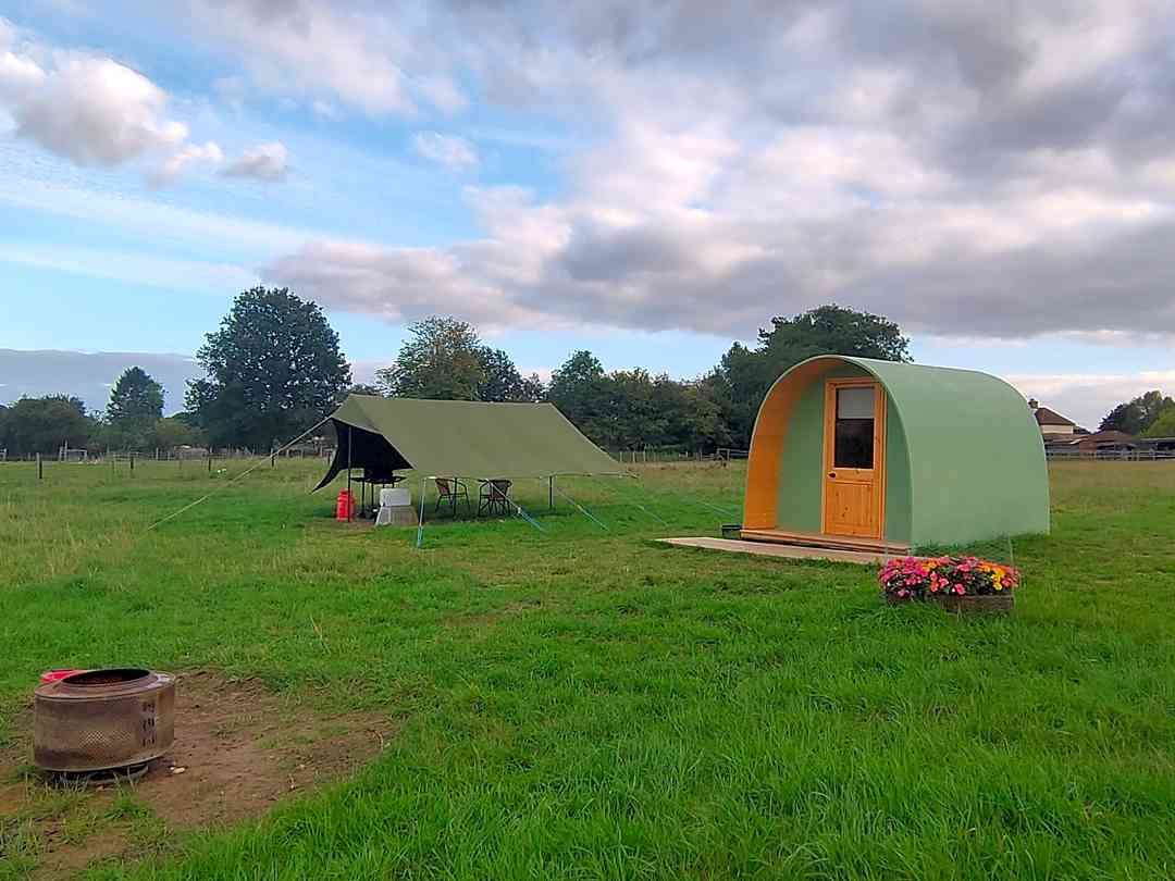 Little Rock Cottage Camping and Glamping