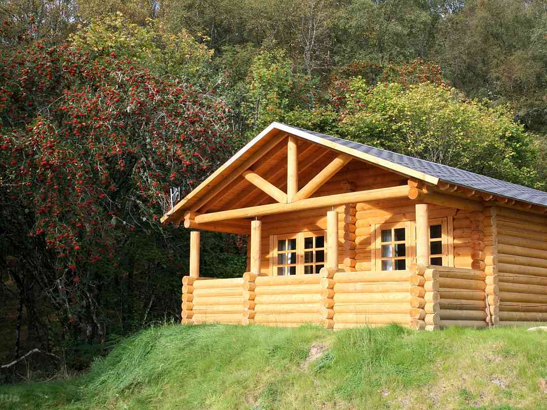 BCC Loch Ness Log Cabins: Black Grouse exterior