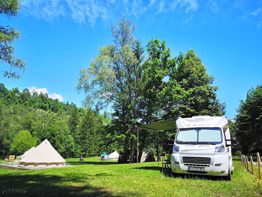 ECO River Camp: Campervan pitches