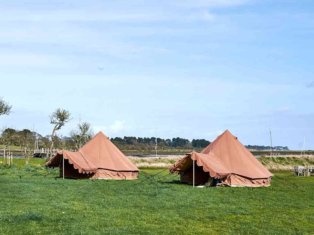 MAJU Glampsite at Hartgrove Hill Farm: Exterior of the bell tents