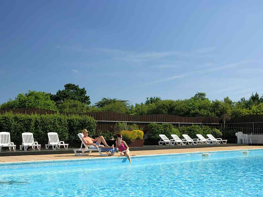 Guests have free access to the outdoor swimming pool at Shorefield Country Park