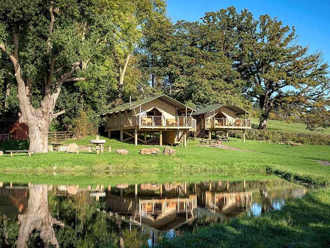 Sweeney Farm Glamping: Safari tents overlooking the pond