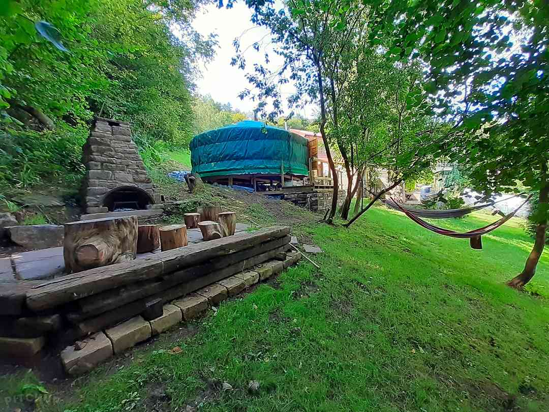 Oakdean Cottage: Yurt area