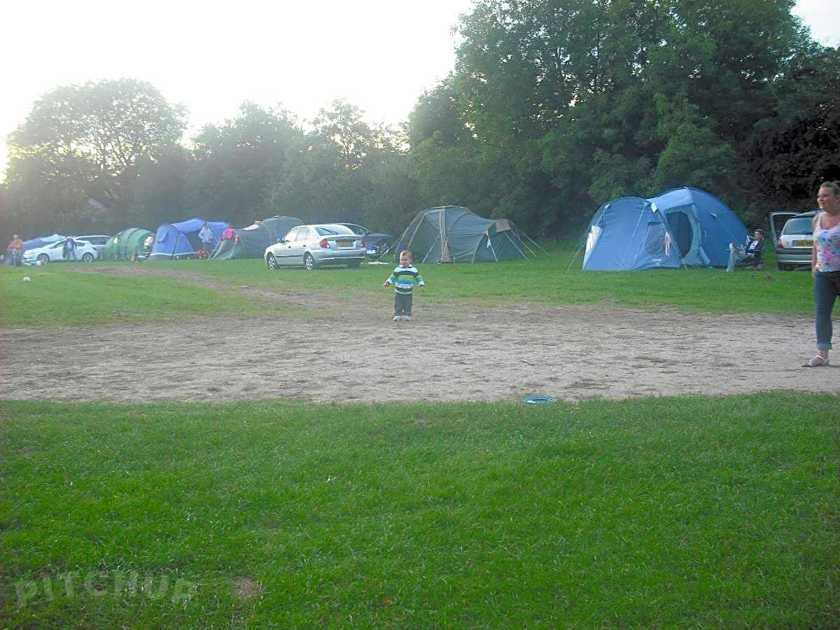 Fully serviced pitches | Best Campsites in Ashbourne
