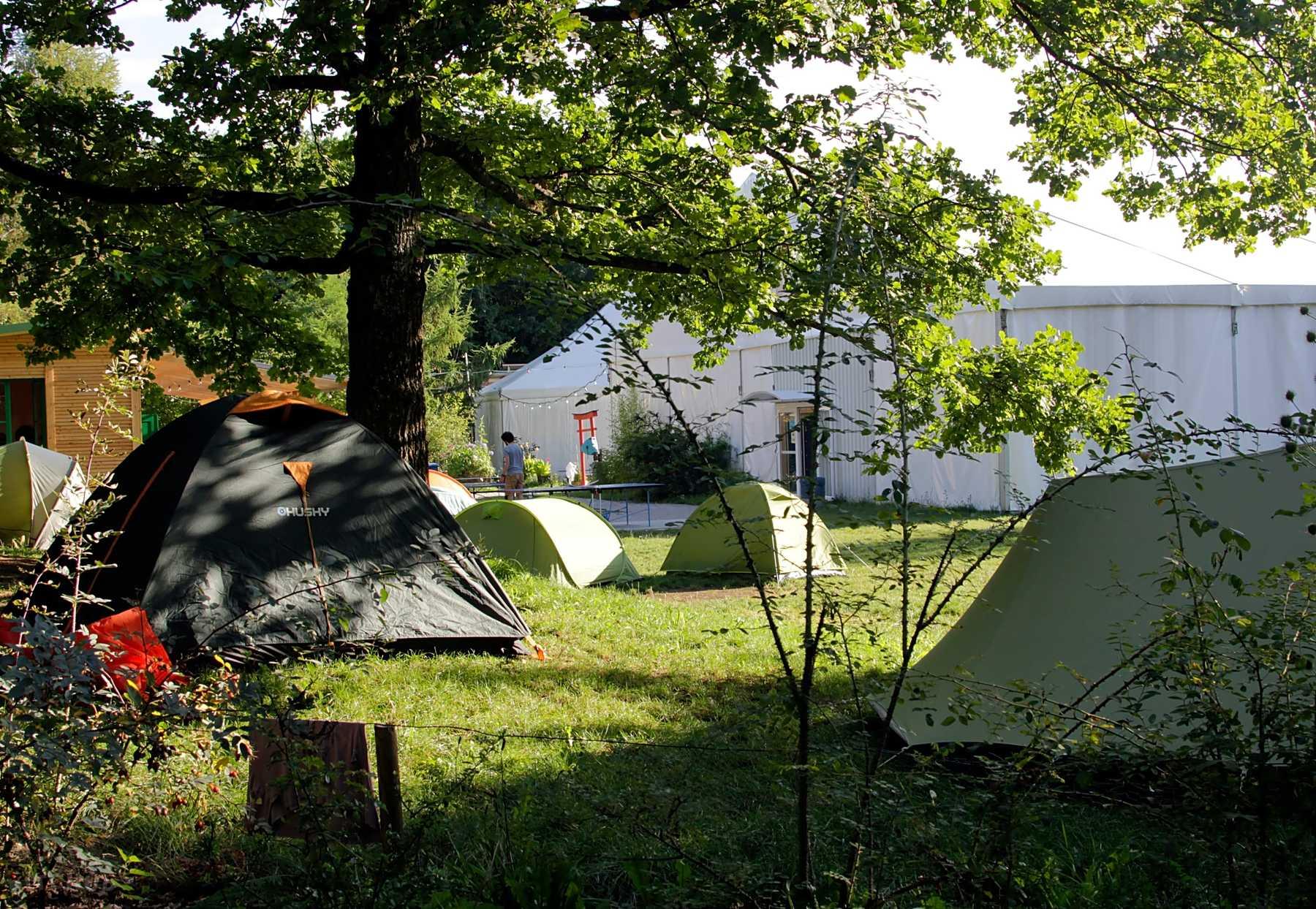 Tents Trekk Page N° 13
