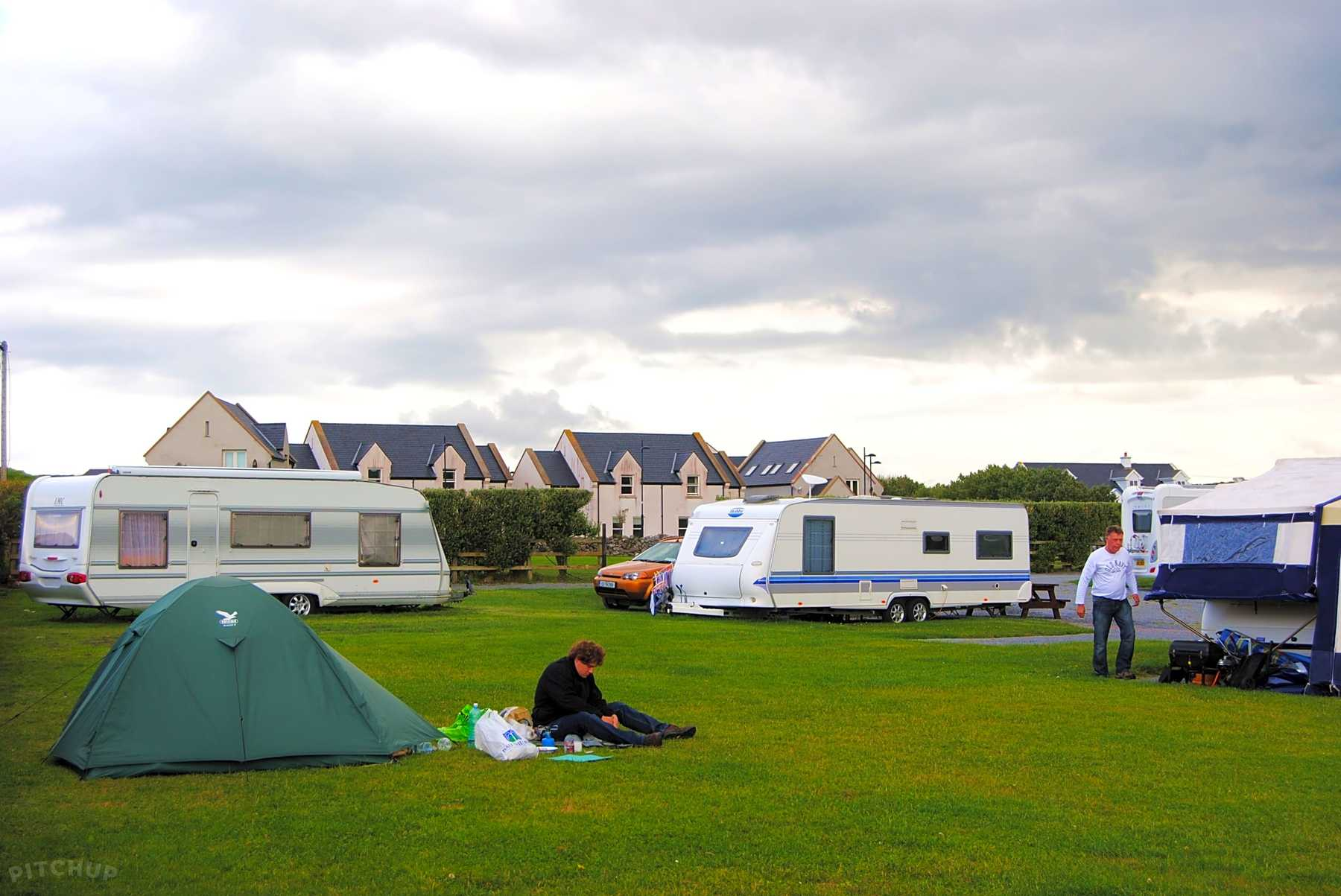 What Is a Full Hookup at an RV Park? - Travel Tips - USA Today