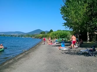 The lake beach is nearby