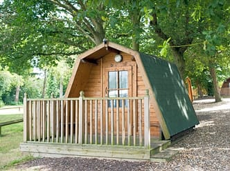 Cosy cocoon with two single camping beds