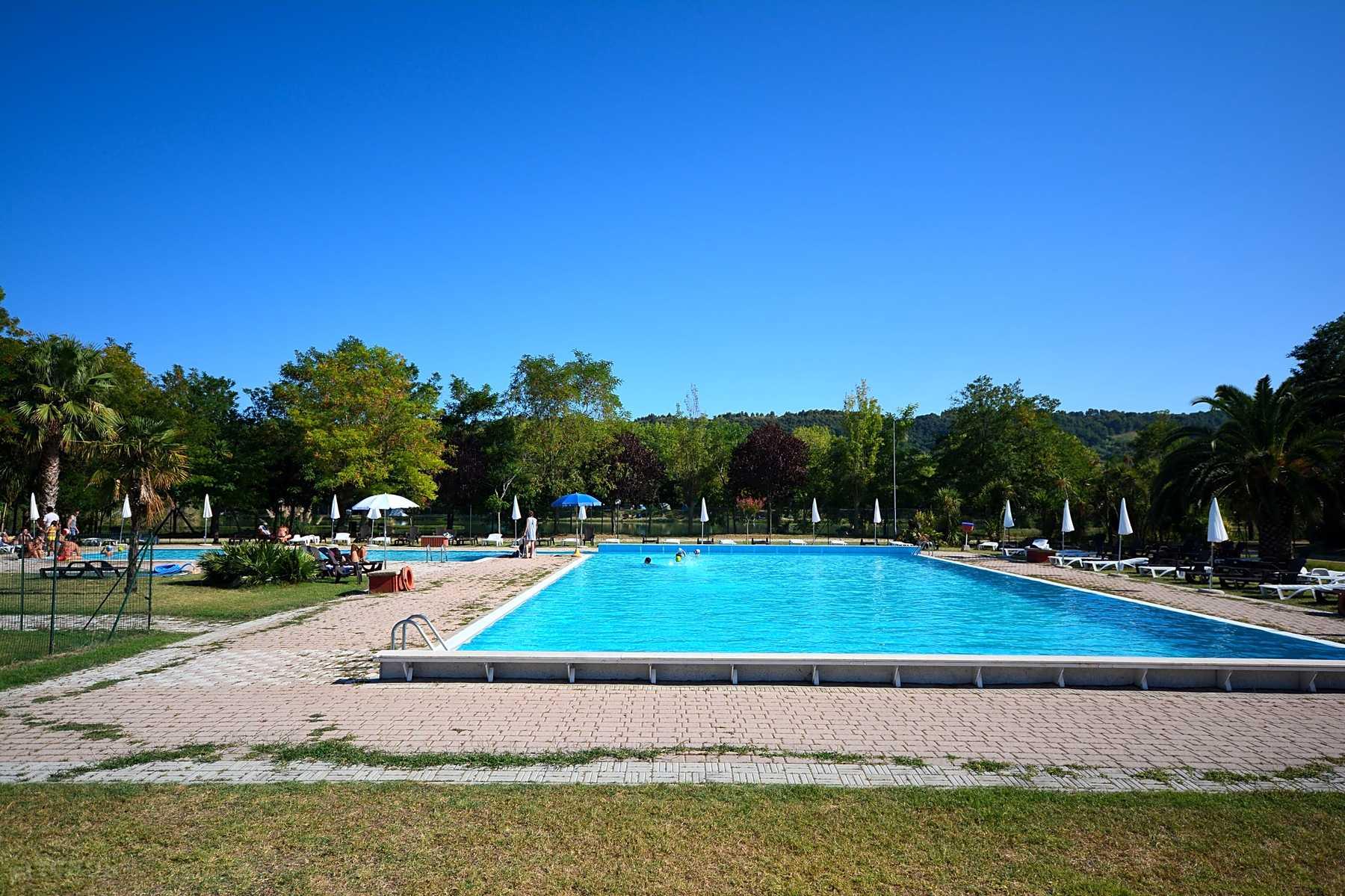 Precede Sun Nei Calendario Inglesi.Centro Vacanze Garden River Altidona Prezzi Aggiornati