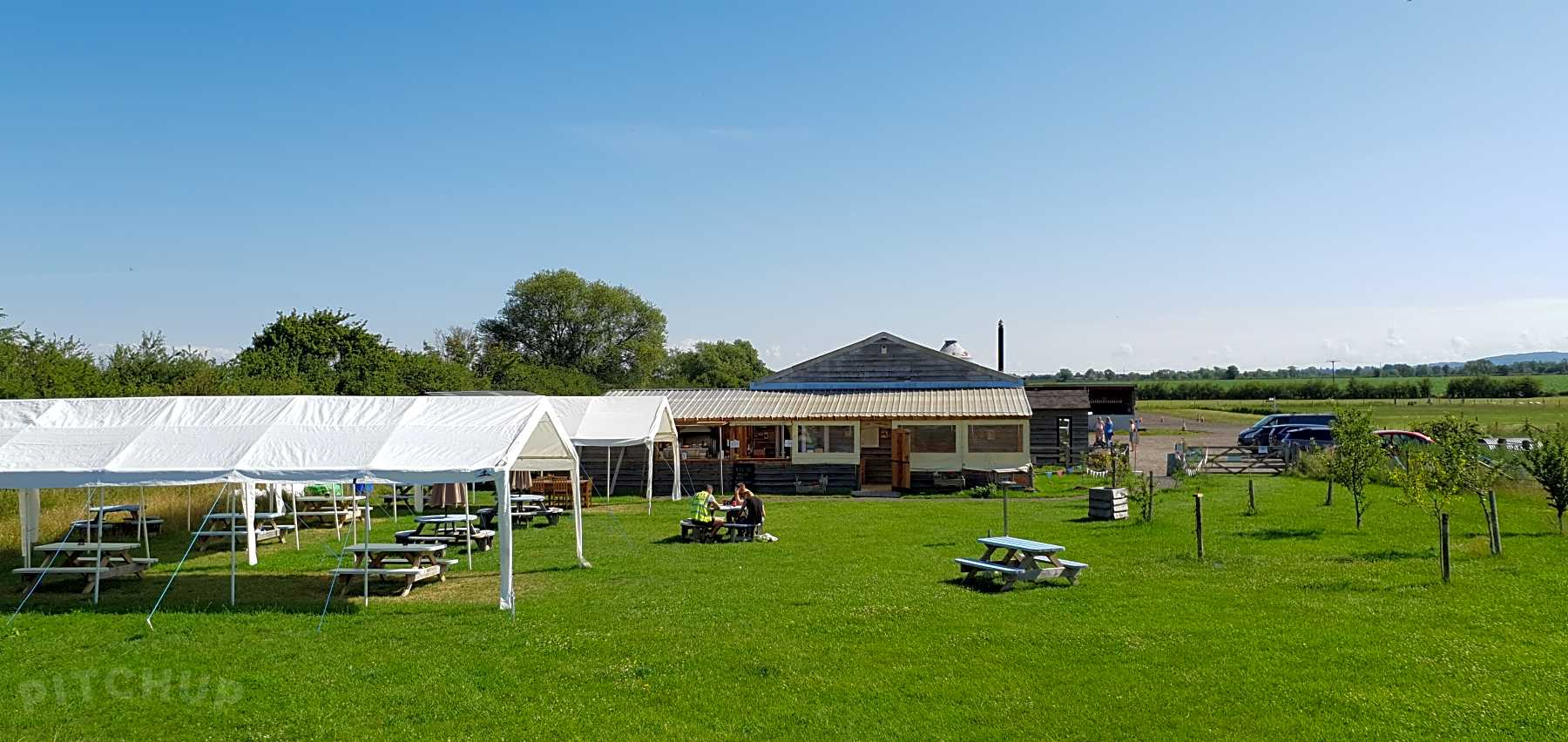 Find Cheap Tent Camping Sites in Aylesbury, Buckinghamshire