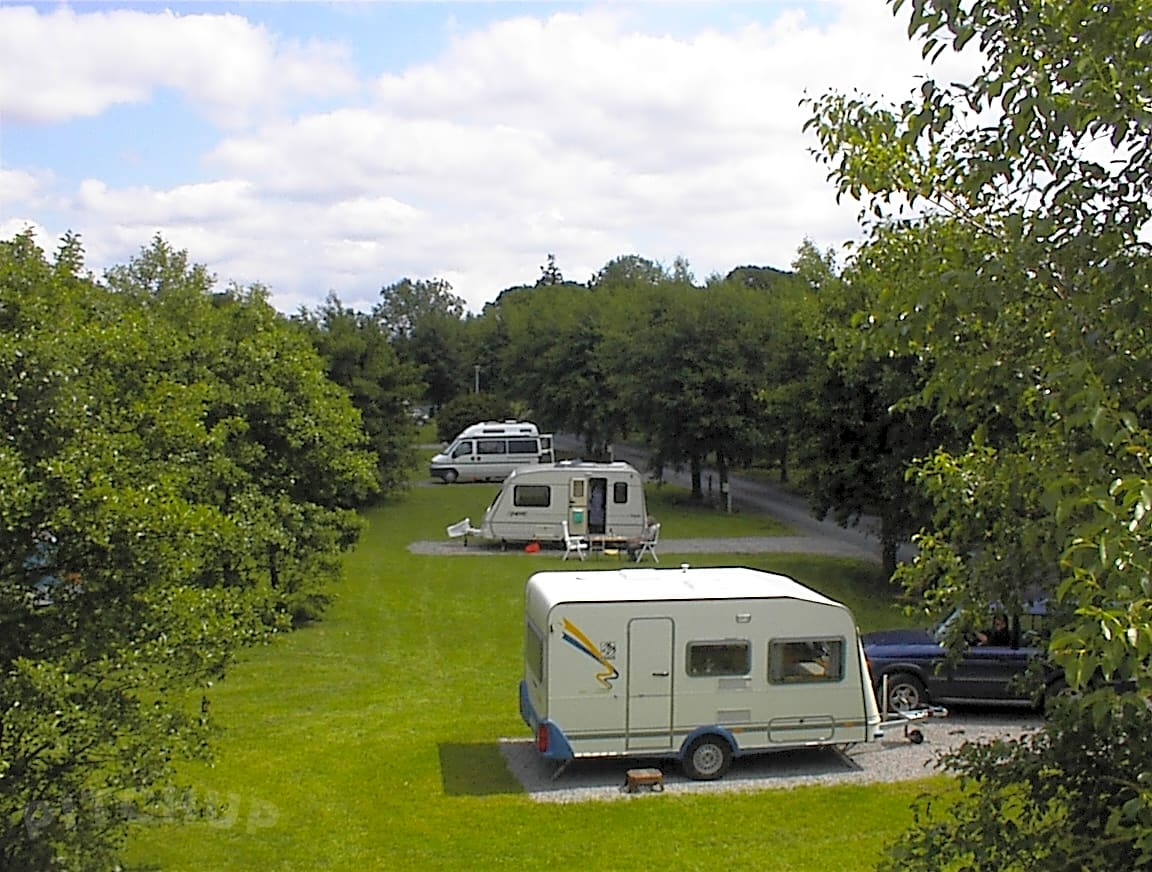 Find Cheap Tent Campgrounds in Cahir, Co. Tipperary - Pitchup