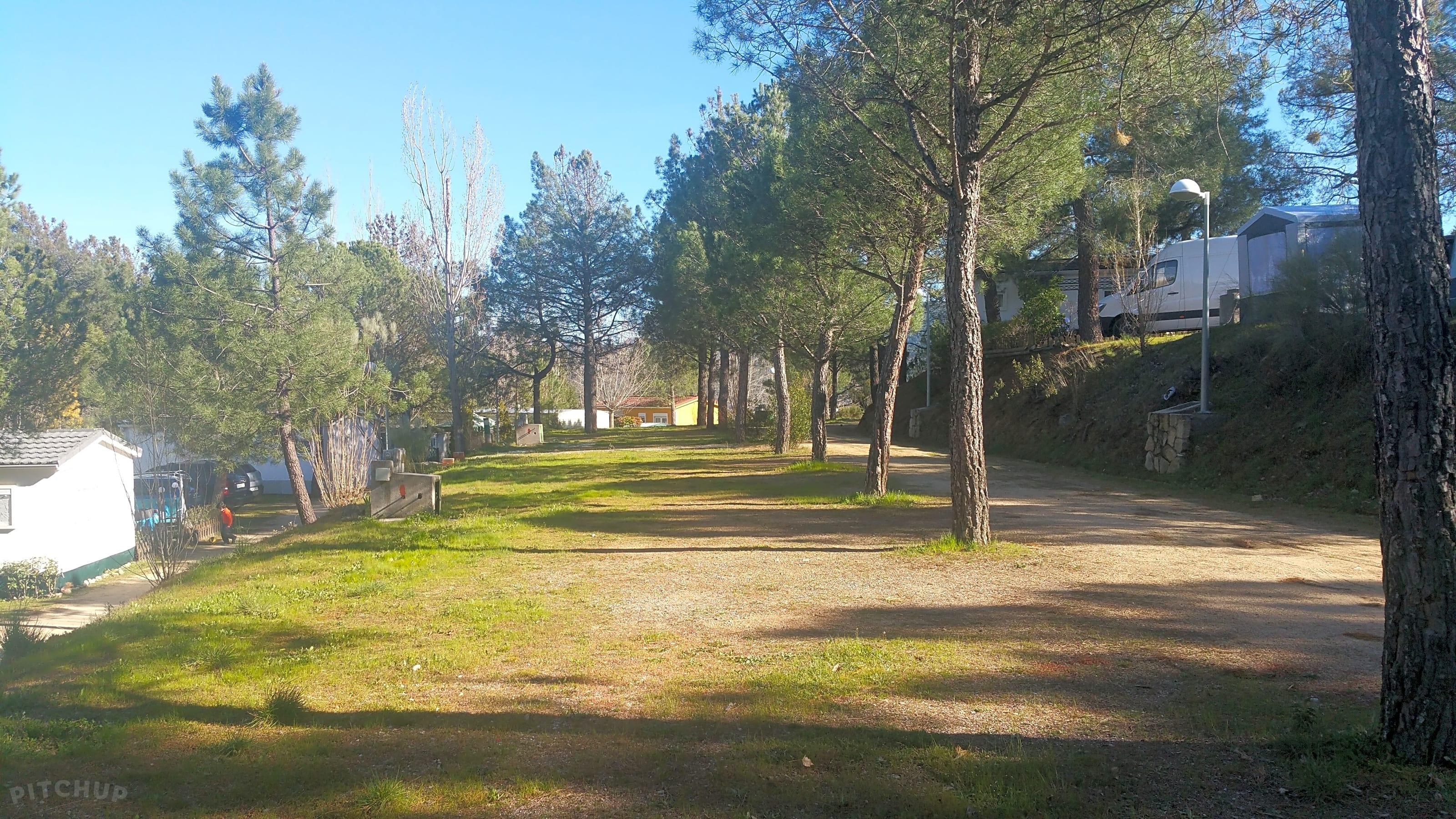 Camping El Canto La Gallina Valdemaqueda Updated 2021 Prices Pitchup