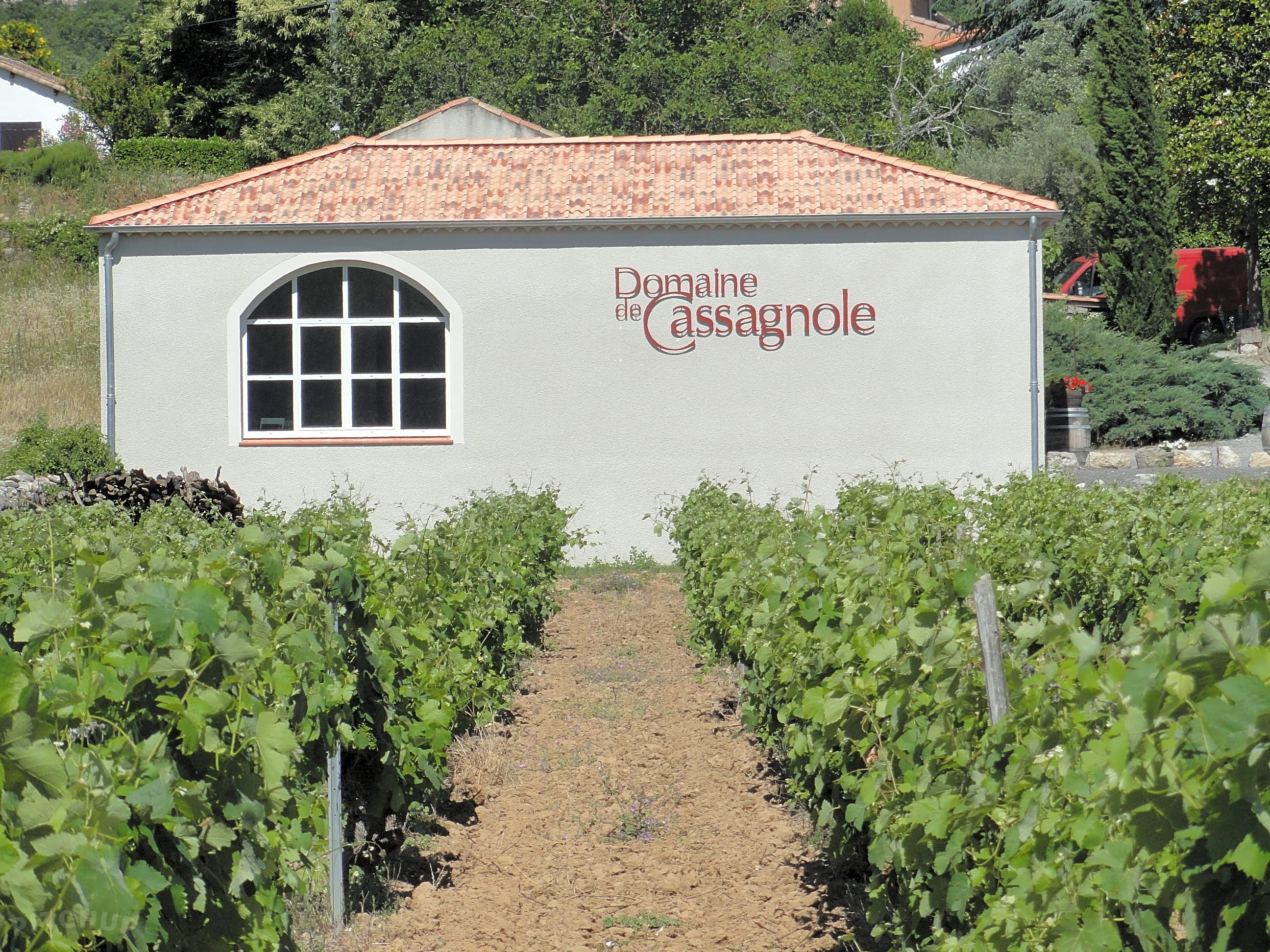 Situated in the grounds of the Domaine de Cassagnole vineyard