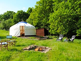 Glamping, yurt, tipi, wigwam or bell tent - Pitchup®