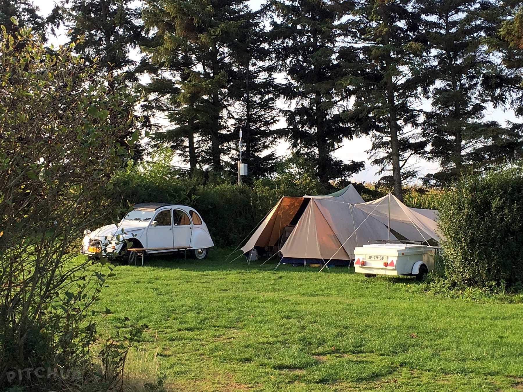 Hitta billiga campingställen för tält i Trentino Alto Adige