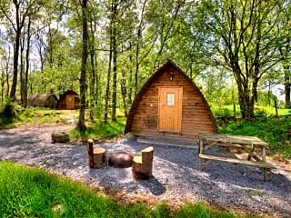Standard heated wigwam for up to five people