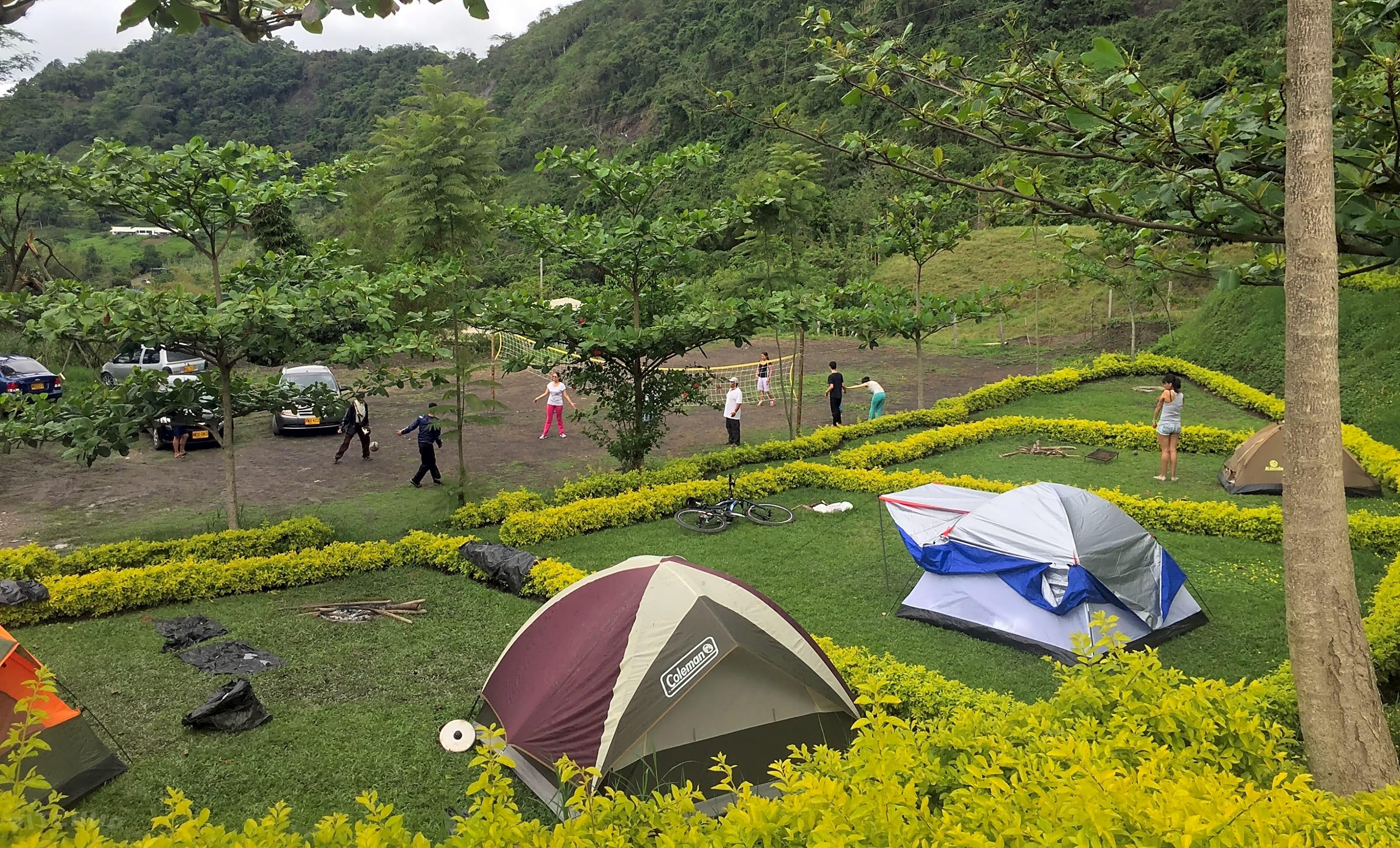 Wat wordt beschouwd als een volledige aansluiting Camping Hongarije dating