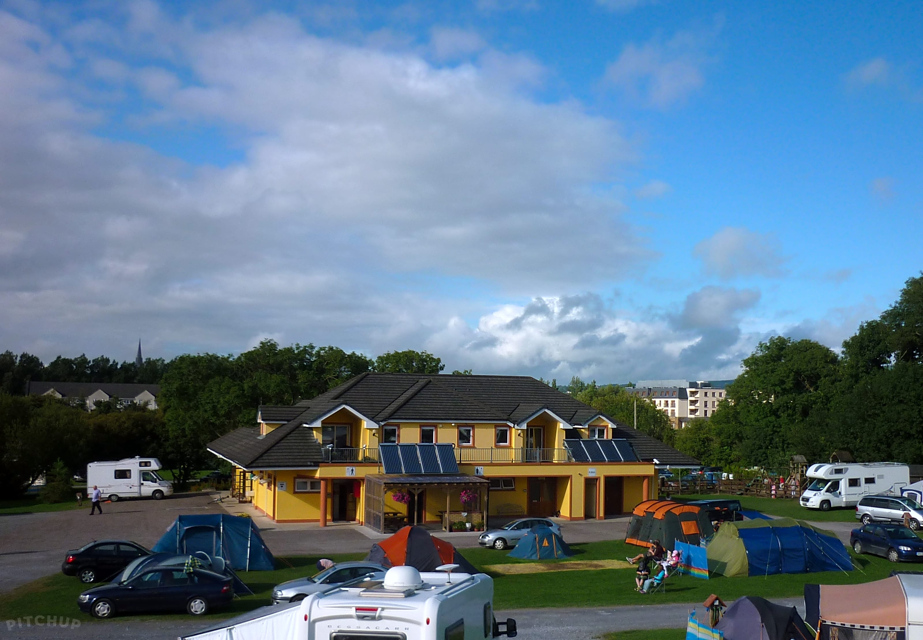Find the Best Caravan Sites in Listowel, Co. Kerry - Pitchup