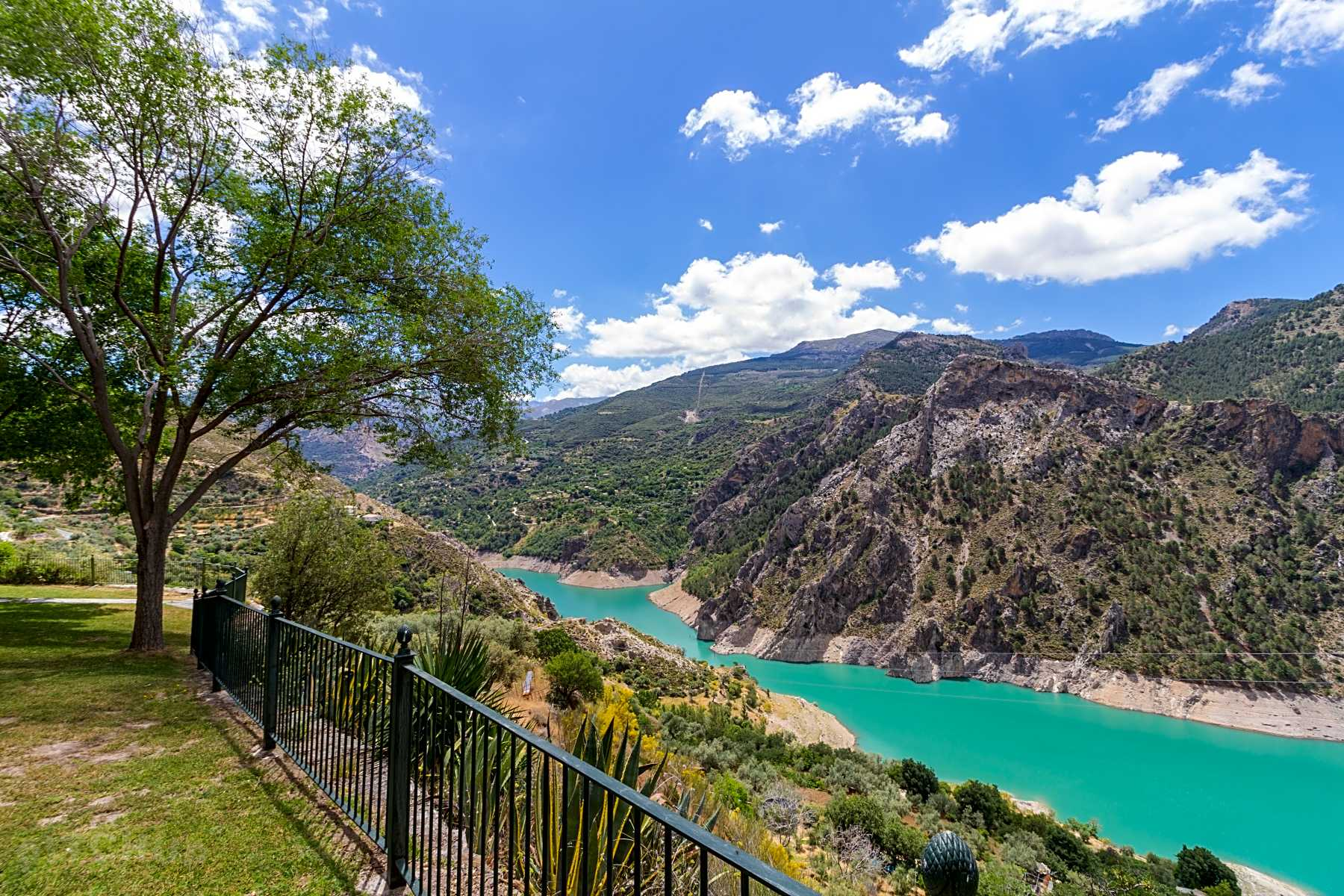 Find the Best Touring Caravan Sites in Granada - Pitchup®