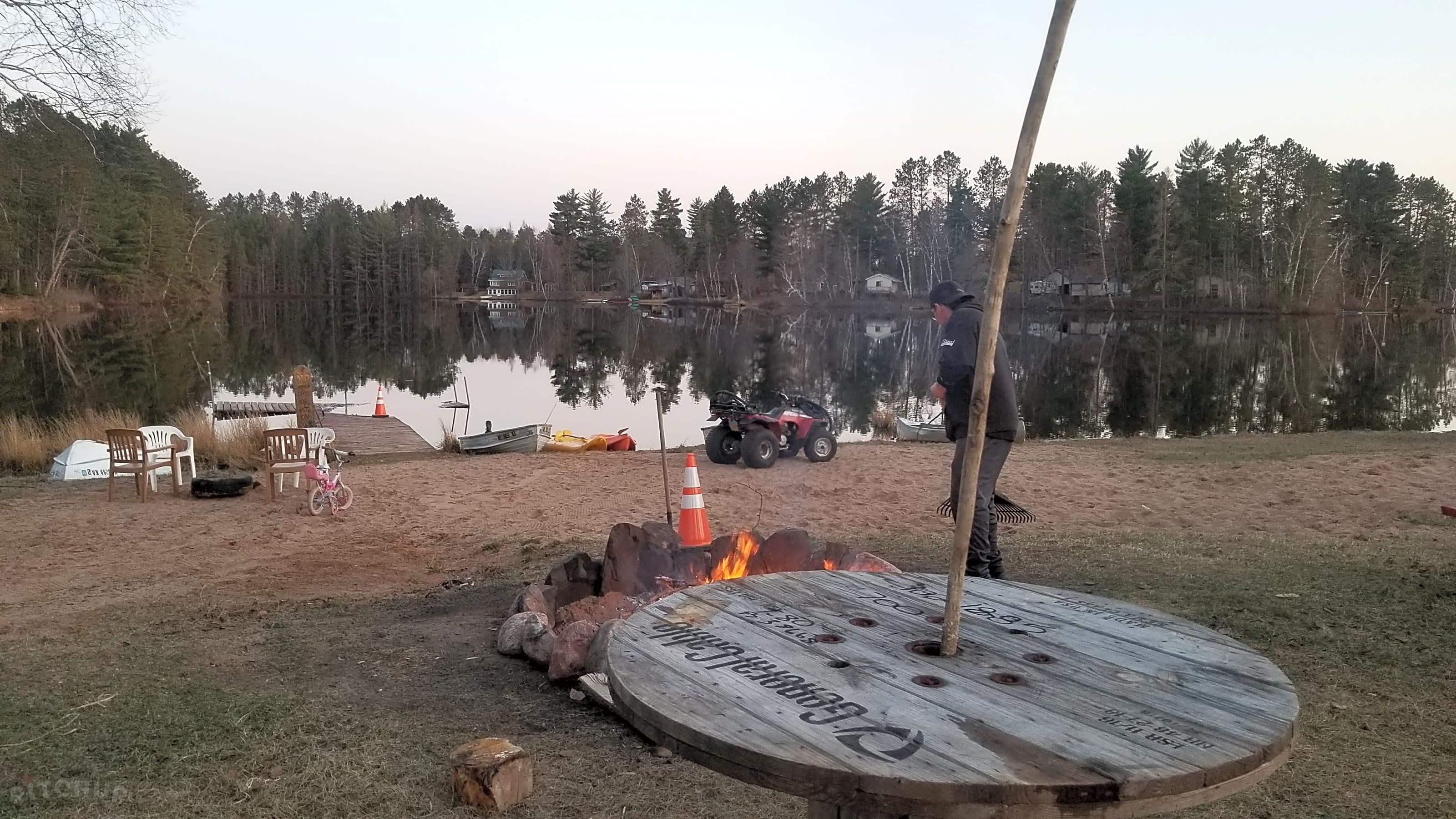 Horseshoe Lake Campground and Cabins, Gwinn - Pitchup®
