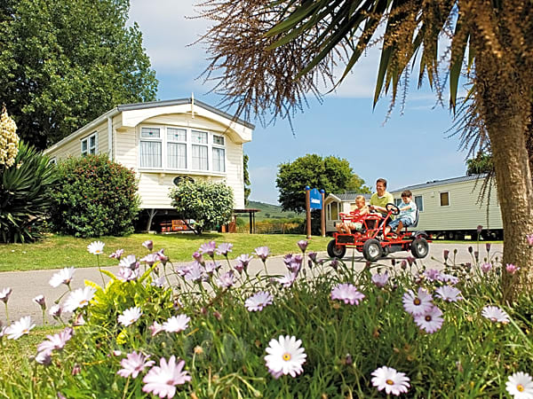Weymouth bay holiday park weymouth pitchup - Weymouth campsites with swimming pool ...