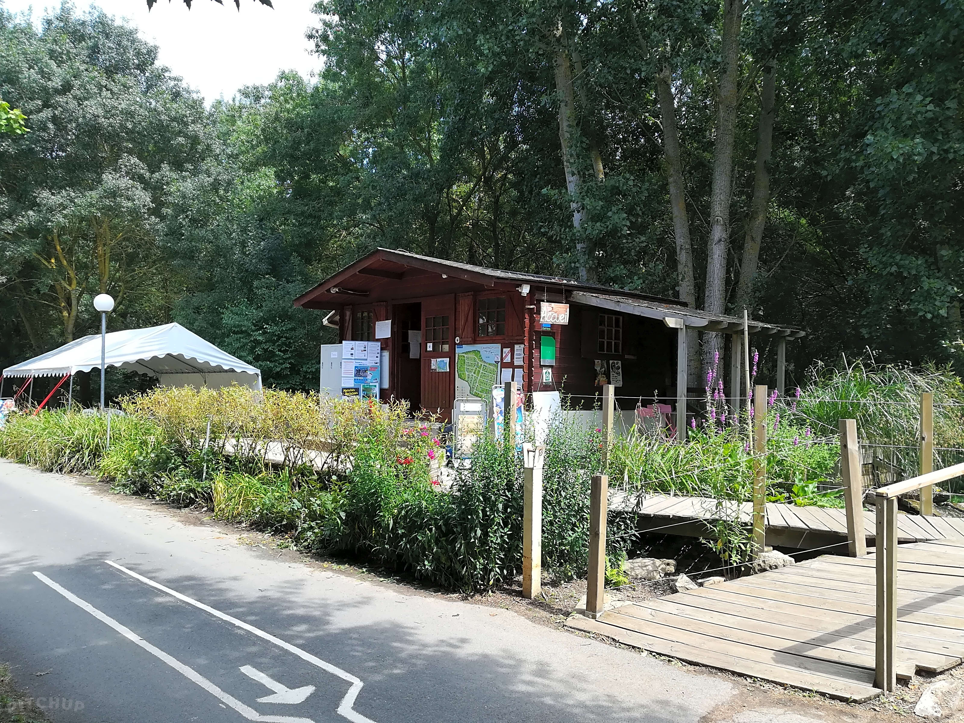 Camping Jardin De Sully Camping Bord De La Loire