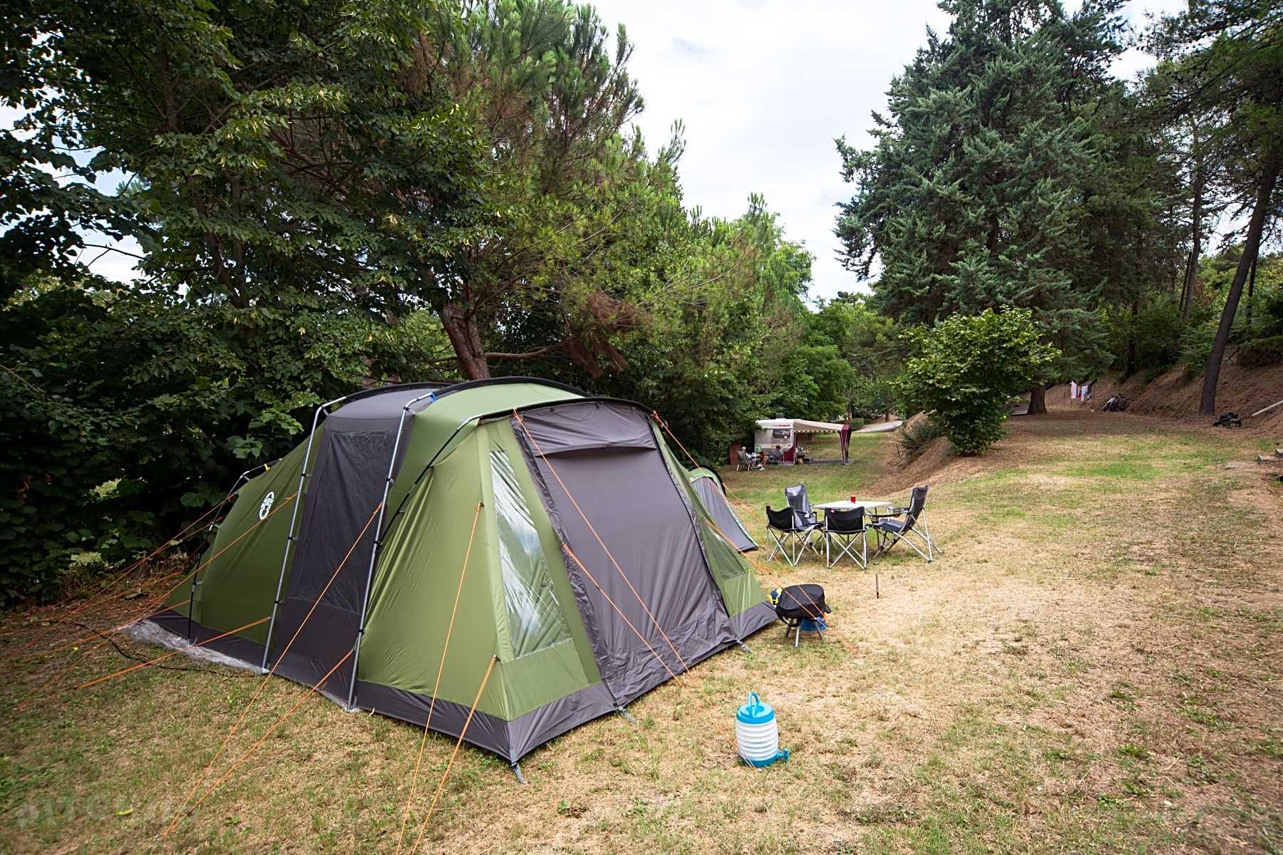 Hitta billiga campingställen för tält i Italien Pitchup®