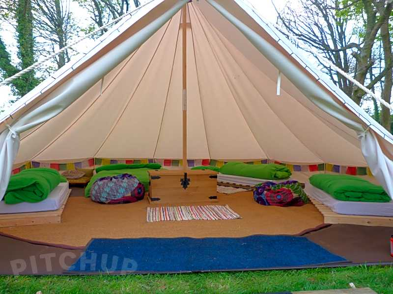 Book glamping, yurt, tipi, bell tent and dome sites in