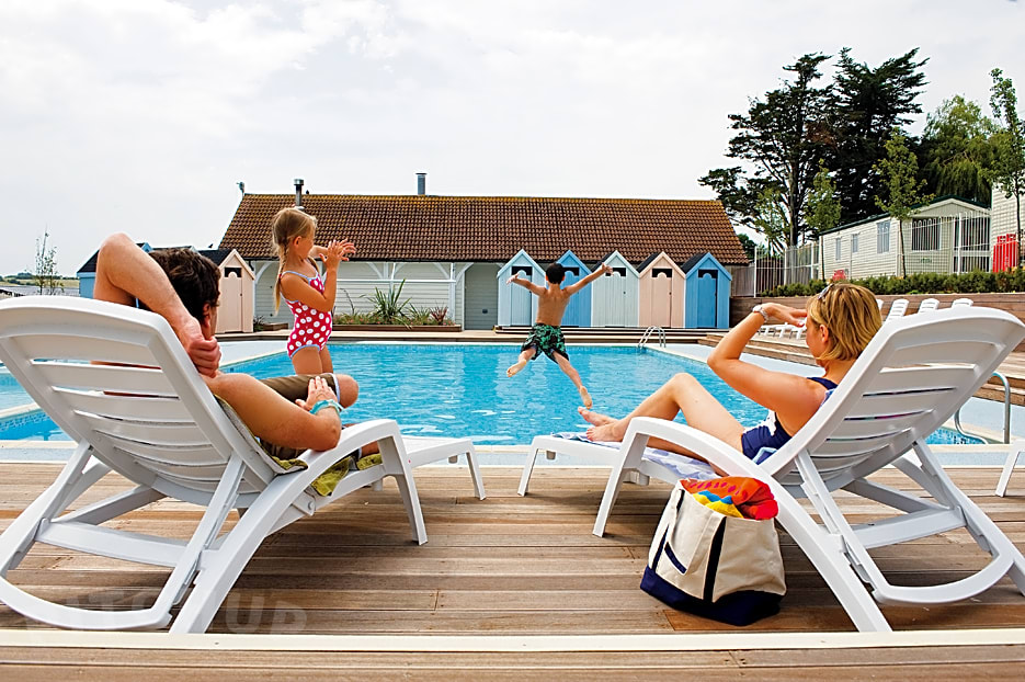 Seaview holiday park weymouth pitchup - Swimming pools in weymouth dorset ...