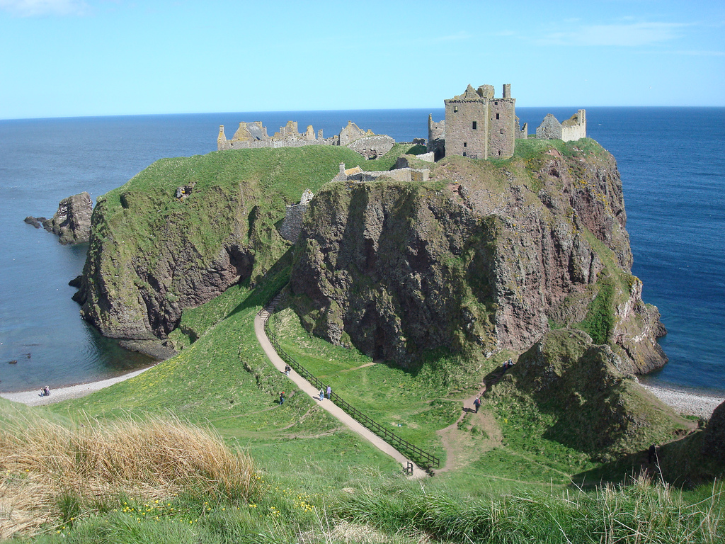 Of ruins and royalty - our top Scottish castles | Pitchup.