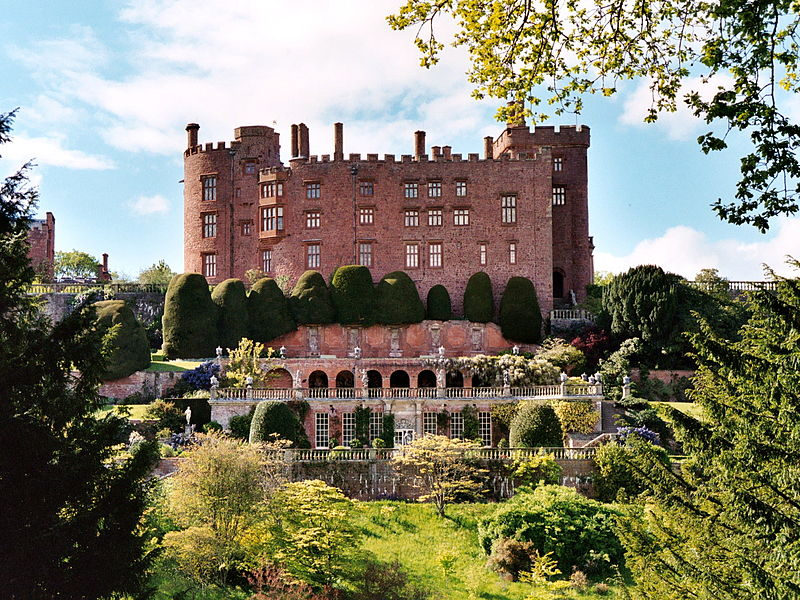 Powis Castle. Spot the spook?