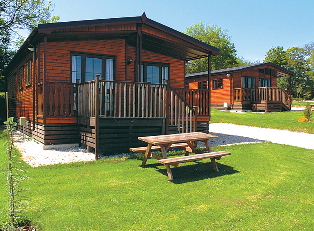 Lodge holidays log cabin rentals for Cheap holiday cottages uk