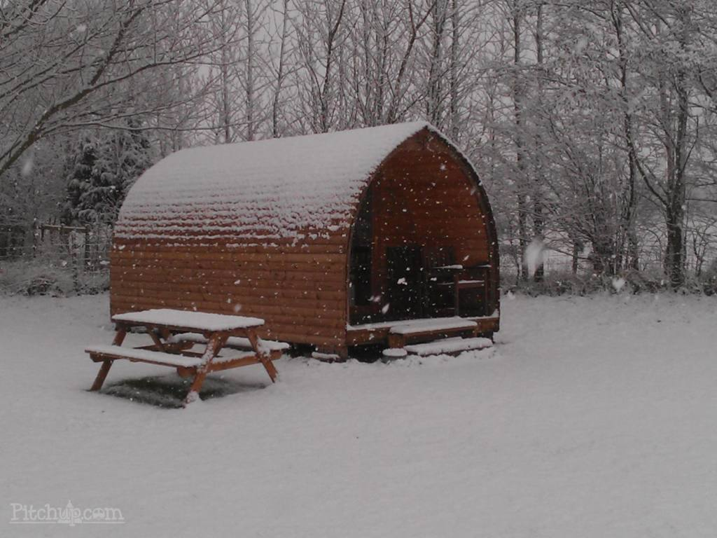 Snuggle up in December with the best Christmas lodge ...